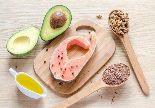 sağlıklı yağ içeren besinler