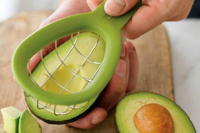 dilimlenmiş avokado