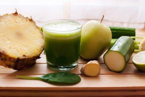 Ananas, Salatalık ve At Kuyruğu ile Vücutta Tutulan Sıvılardan Kurtulun