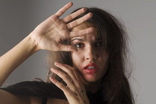 Kadın İstismarı ile İlgili Olabilecek 5 İşaret