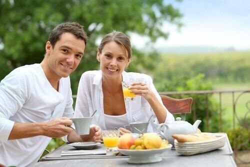 kahvaltı pek çok besin grubu içermelidir