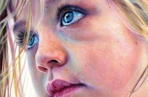 mavi gözlü kız çocuğu