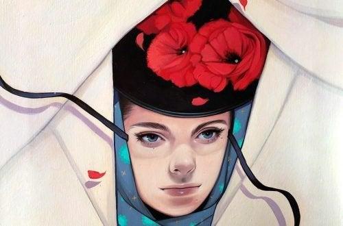 çiçek şapkalı kadın