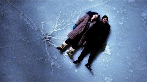 sil baştan filminden bir sahne