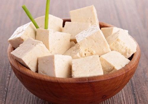 yüksek protein kaynağı tofu