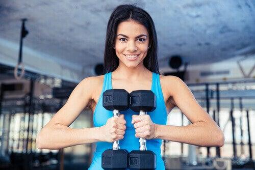 egzersizden sonuç almak için ağırlık kaldırmalısınız