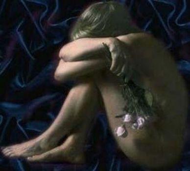 üzgün kadın resmi