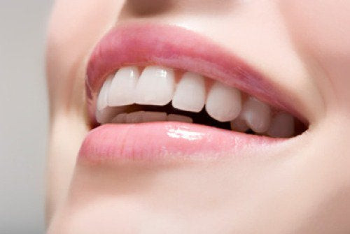 beyaz dişler ve güzel gülüş