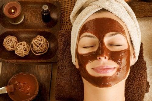 kuru ciltler için çikolata maskesi