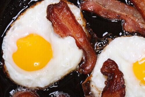yumurta ve bacon