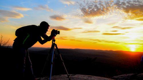 fotoğraf çeken adam gün batımı
