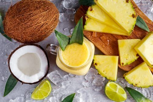 Bu Ananas, Hindistan Cevizi Ve Zencefilli Smoothie ile Kilo Verin ve Vücudunuzda Biriken Sıvılardan Kurtulun