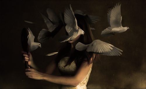 kadın ve kuşlar