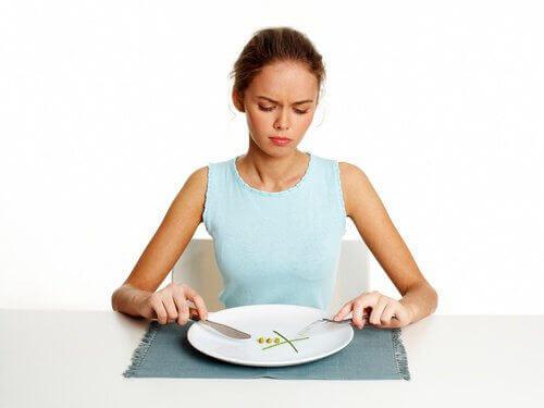 kahvaltı ve diğer önemli öğünleri atlamak