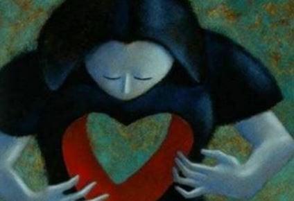 kalbinde boşluk olan kadın