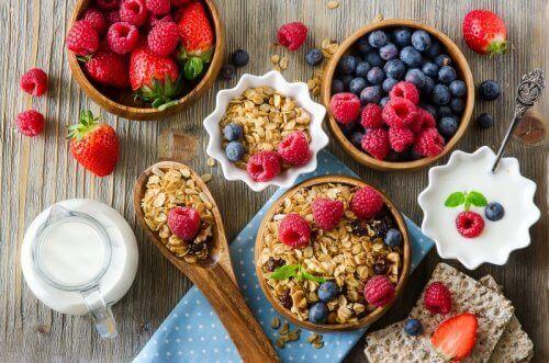 ilaç almadan kas ağrısından kurtulmak için iyi beslenin
