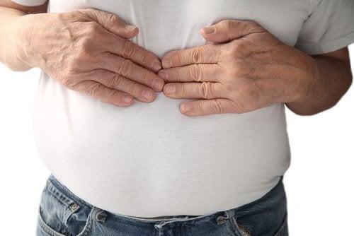 asit reflüden kaynaklı mide yanması