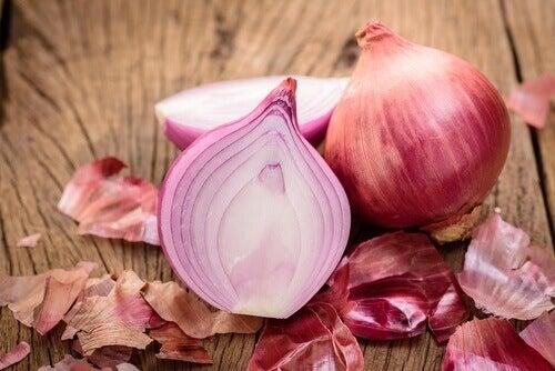 diüretik gıda olan kırmızı soğan
