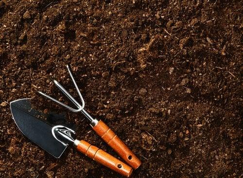bahçe gereçleri toprak