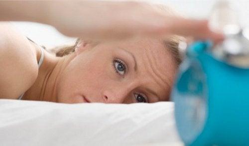 uykusuzluk gözde tike neden olabilir