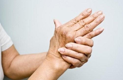 Artrit Tedavisi için 6 Yağ