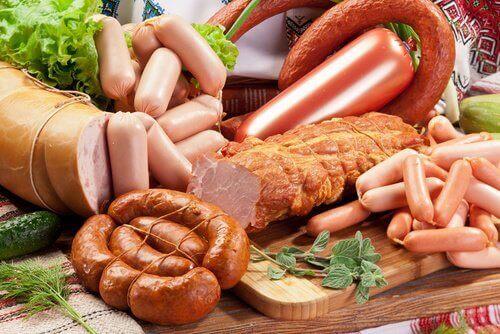 Yemeyi Bırakmanız Gereken 8 Kanserojen Yiyecek