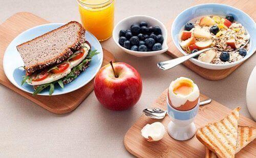 Kahvaltıda tüketilmesi gereken bazı besinler