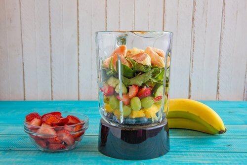 smoothie yapmak için gerekli meyveler