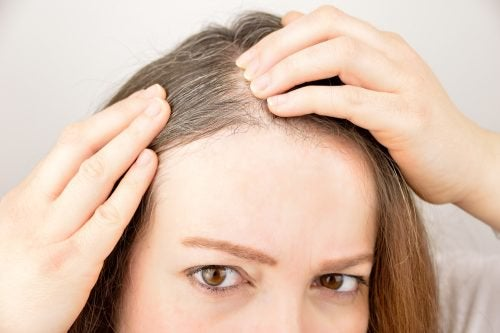Saç Uzamasını Desteklemek İçin Bu 6 Otu ve Baharatı Kullanın