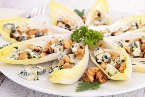 rokforlu hindiba salatası