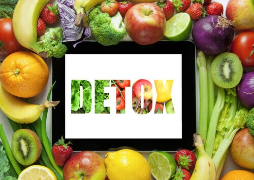 detoks yazısı ve meyve sebzeler