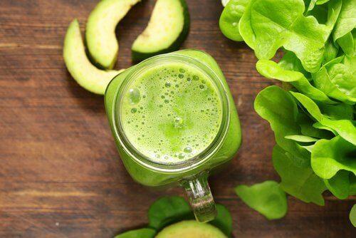 yeşil elmalı smoothie