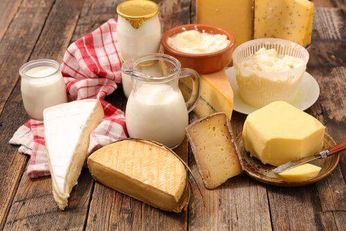 saç dökülmesini azaltmak için süt ürünleri