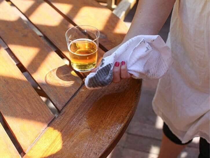 ahşap temizliği için evde bira kullanımı
