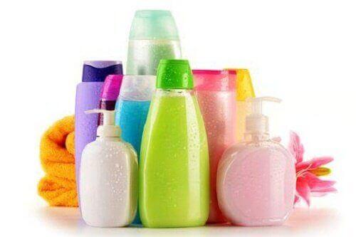 rengarenk sıvı sabunlar, duş jelleri ve şampuanlar