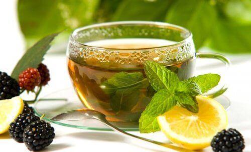 limonlu ve zencefilli yeşil çay