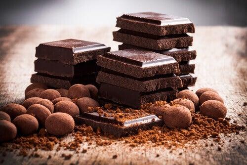reflüden muzdaripseniz çikolata yemeyin