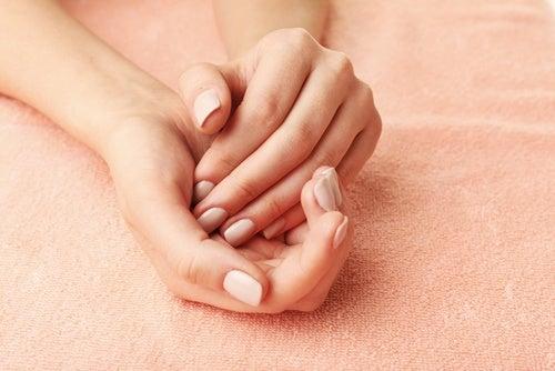 ellerinizi yumuşatacak peeling tarifi