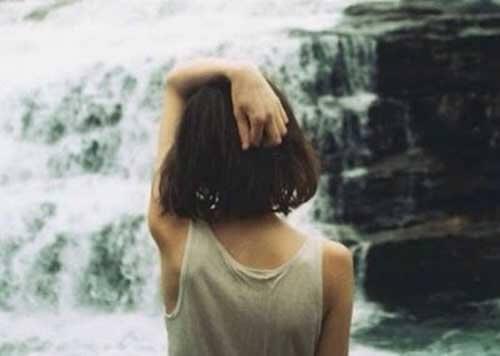 eli kafasında kız