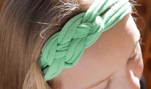 yeşil örgü saç bandı