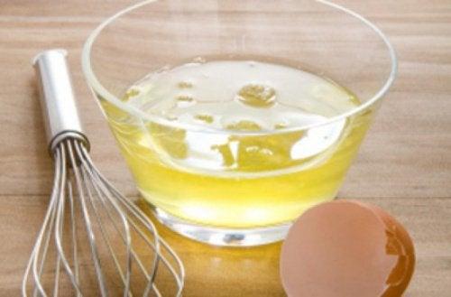 kuru saçlarda yumurta beyazı