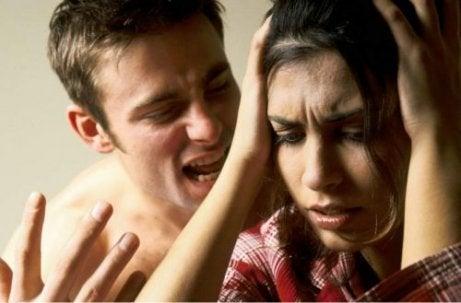 Duygusal İstismarın Dikkat Etmeniz Gereken 5 Sonucu