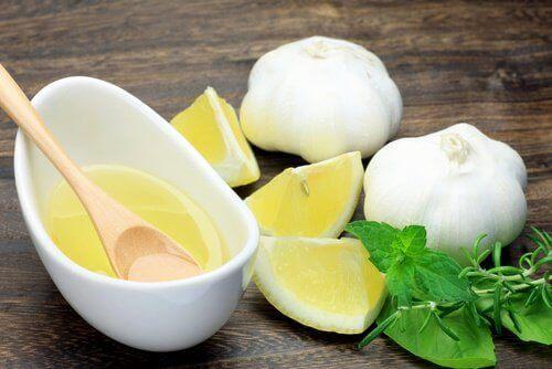 dilim limon ve sarımsak