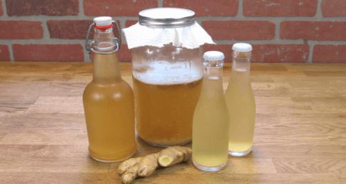 zencefilli su şişeleri