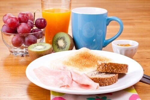 Enerji Dolu Hissetmek için Yapabileceğiniz Kahvaltılar