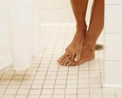 spor salonunda duş