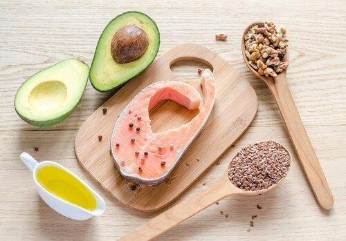 avokado, somon ve tahıl