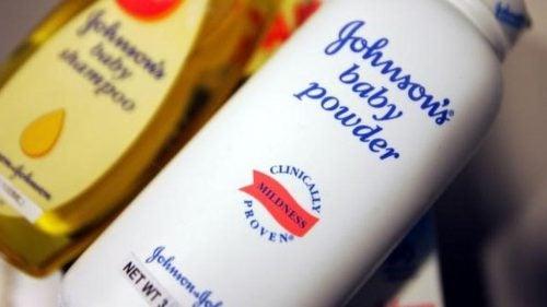 Johnson & Johnson, Talk Pudrası Kanser Riski Taşıdığı İçin 417 Milyon Dolar Ödemek Zorunda