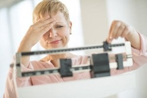 kilosunu beğenmeyen kadın