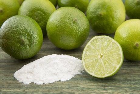 yeşil limon dilimi